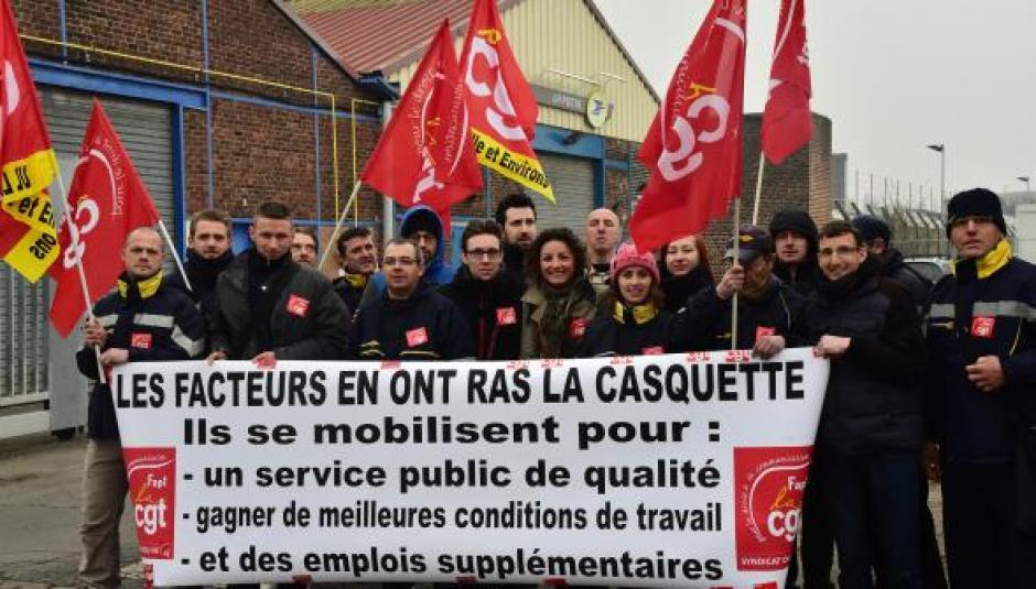 Les communistes hellemmois soutiennent les postiers de l'UD3 d'Hellemmes